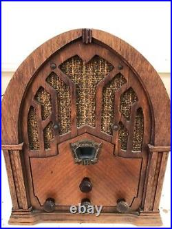 Absolutely Beautiful Model 168 Cathedral Crosley Antique Radio, Very Nice Wood