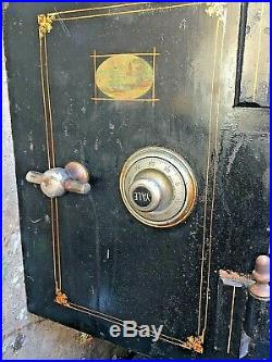 Antique Cast Iron Combination Safe. A very nice 20th Century Safe by Vulcan