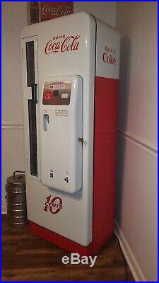 Antique Cavalier 96 Coke Machine, restored to perfection very nice