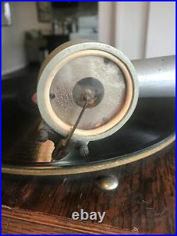 Columbia BI Graphophone Phonograph With Very Nice Polished Brass Horn Antique