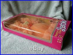 RARE 1984 NRFB Vintage PEACHES N CREAM Barbie Doll Very Nice