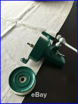 Rare Classic Vintage Penn 706 Greenie Spinning Fishing Reel -very Nice One