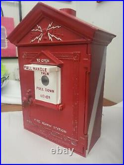 VINTAGE / ANTIQUE GAMEWELL FIRE ALARM CALL BOX CAST IRON VERY NICE Pat. 1924