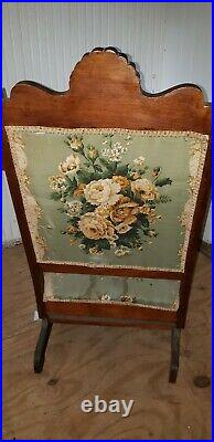 Very Nice Eastlake Antique Victorian Rocking Chair