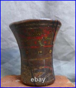 Very nice Querro with a decor of a bird and flowers, INCA/Spanish Colonial