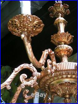 Very nice and fabulous vintage 8 lt fine ornated brass chandelier
