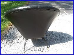 Vintage Mid Century Modern Retro Lounging Chair. Vinyl / Metal Very Nice