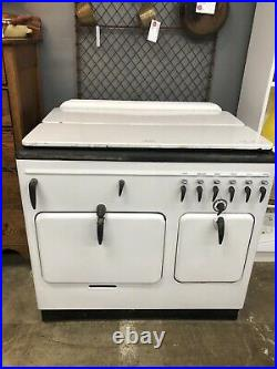 Vintage STOVE by Chambers Gas model A 1930s. In Very Nice Shape