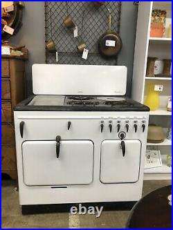 Vintage STOVE by Chambers Gas model B 1939-46. In Very Nice Shape