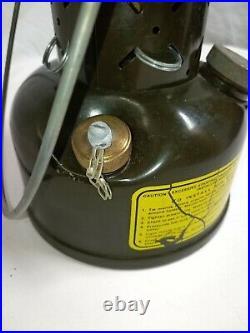 Vintage coleman lantern US military 1973 very nice